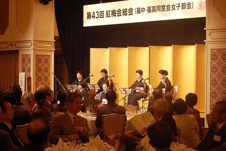 杵屋弥佶さんによる長唄・三味線演奏のようす