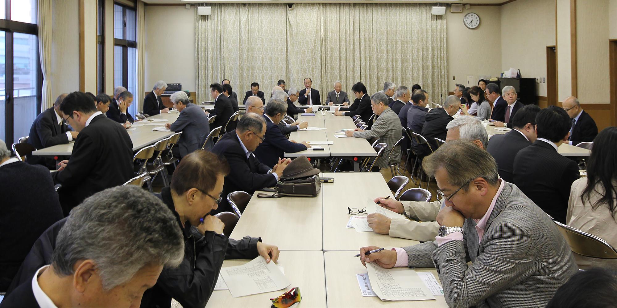 平成26年度 常任幹事会の様子